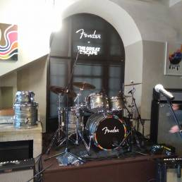 Fender drum riser and window banners