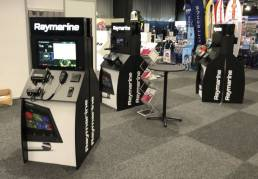 FSDU for Raymarine with interactive screens and working display models